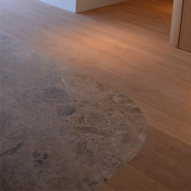 suelo-de-madera-y-piedra